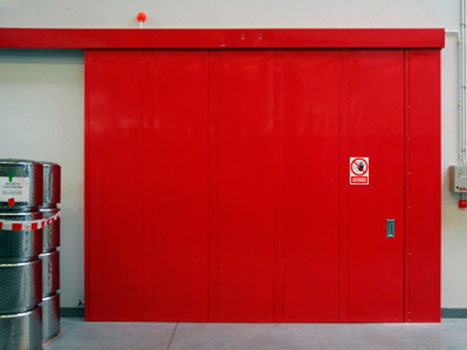 стальная промышленная дверь