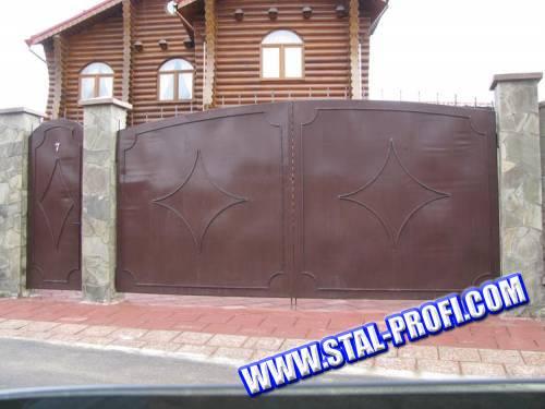 Металлические распашные ворота